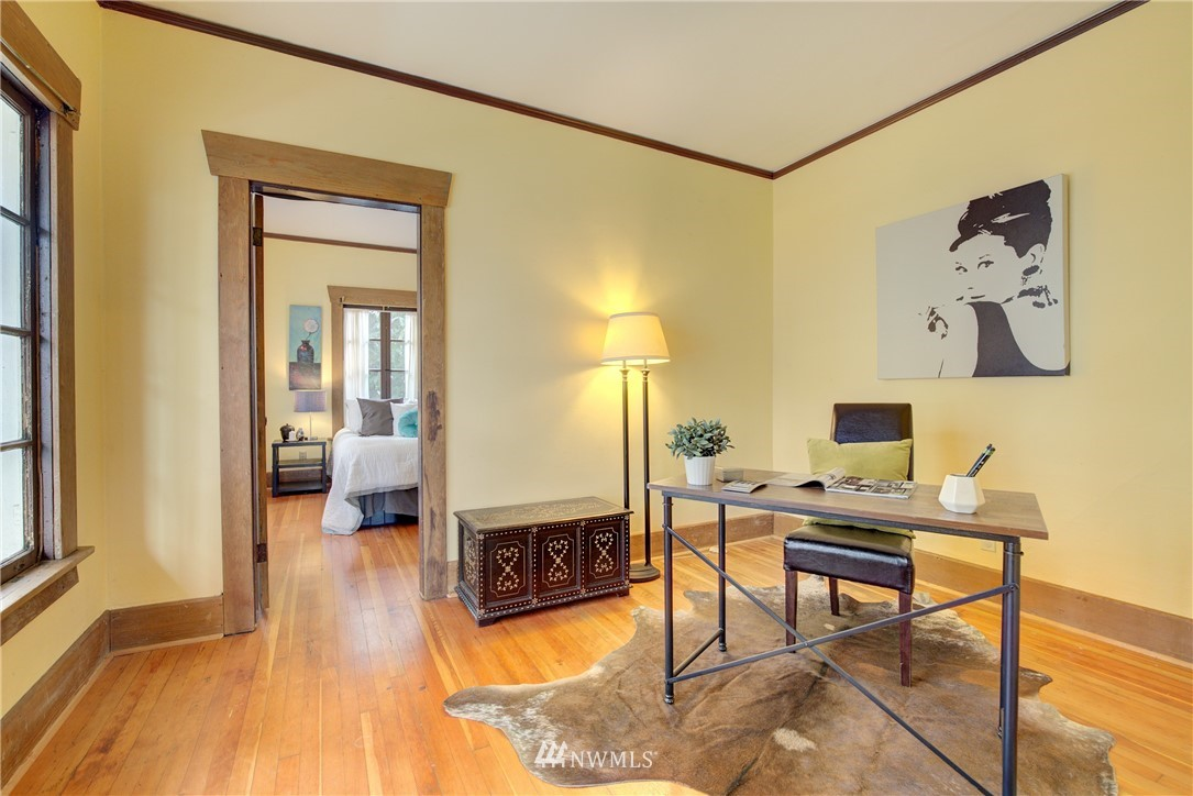 Sold Property | 1330 N Lucas Place Seattle, WA 98103 7