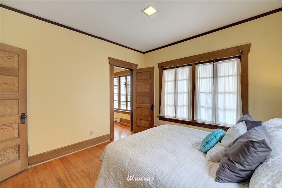 Sold Property | 1330 N Lucas Place Seattle, WA 98103 9