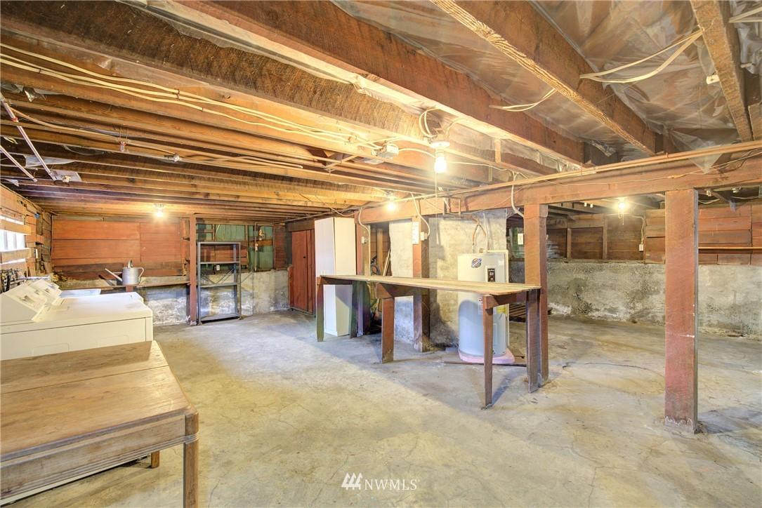 Sold Property | 1330 N Lucas Place Seattle, WA 98103 19