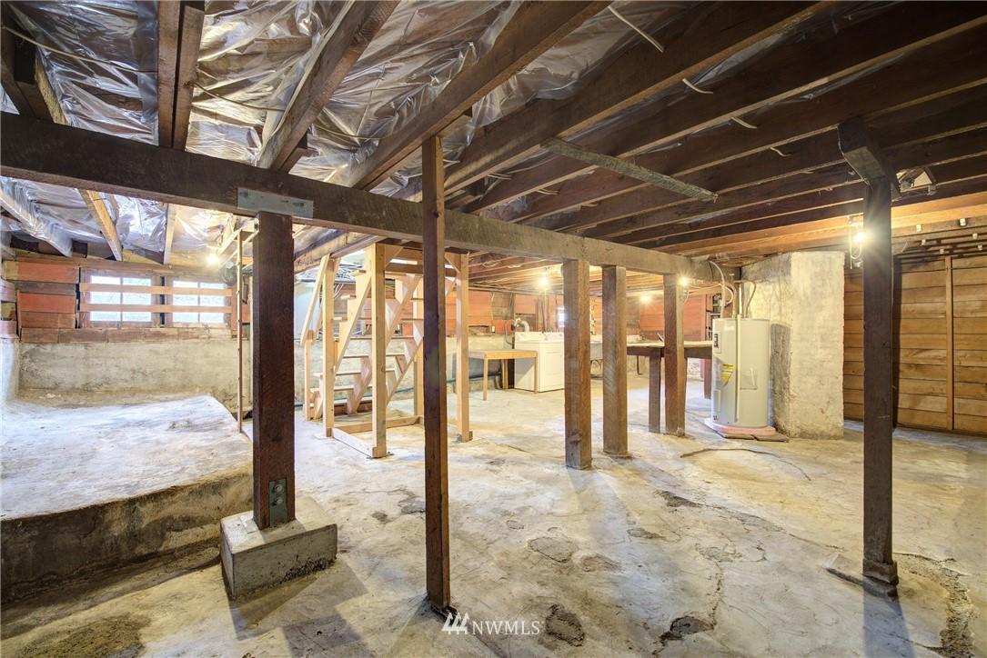 Sold Property | 1330 N Lucas Place Seattle, WA 98103 18