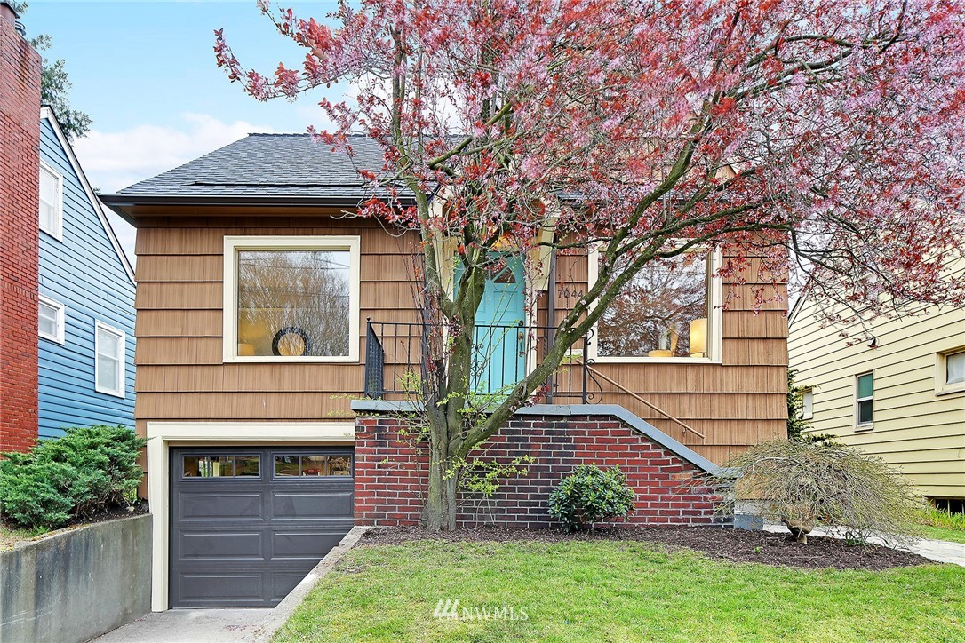 Sold Property   7044 8th Avenue NW Seattle, WA 98117 0