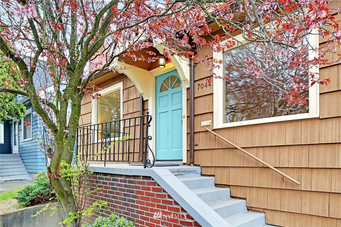 Sold Property   7044 8th Avenue NW Seattle, WA 98117 1