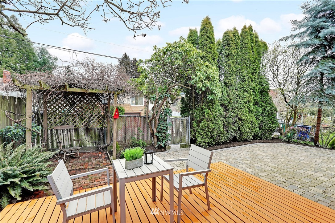 Sold Property   7044 8th Avenue NW Seattle, WA 98117 16