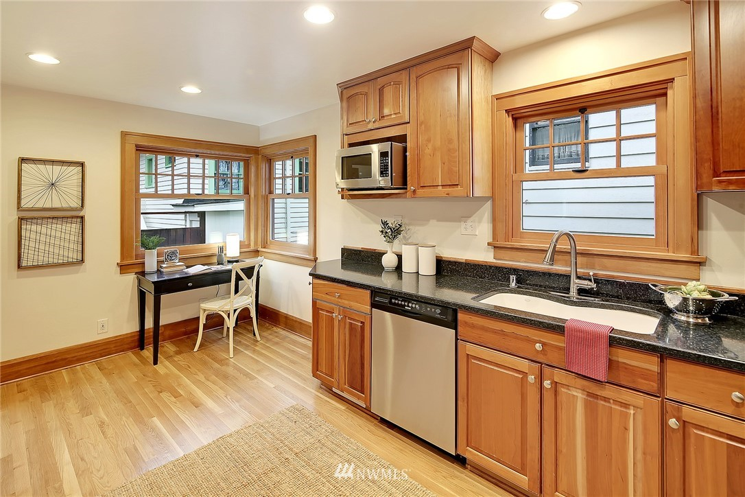 Sold Property   6753 5th Avenue NW Seattle, WA 98117 9