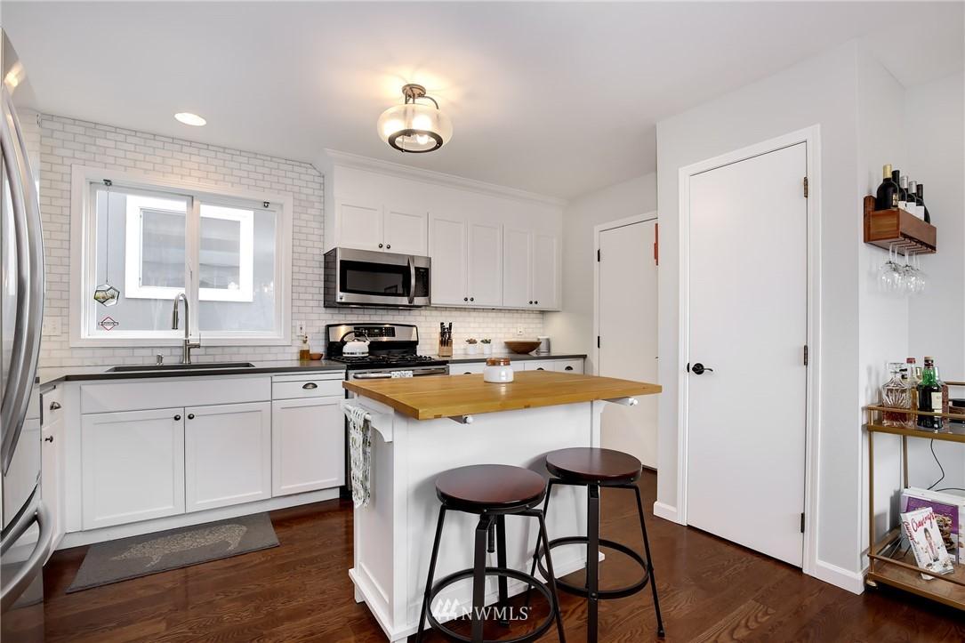 Sold Property | 4501 35th Avenue S Seattle, WA 98118 7