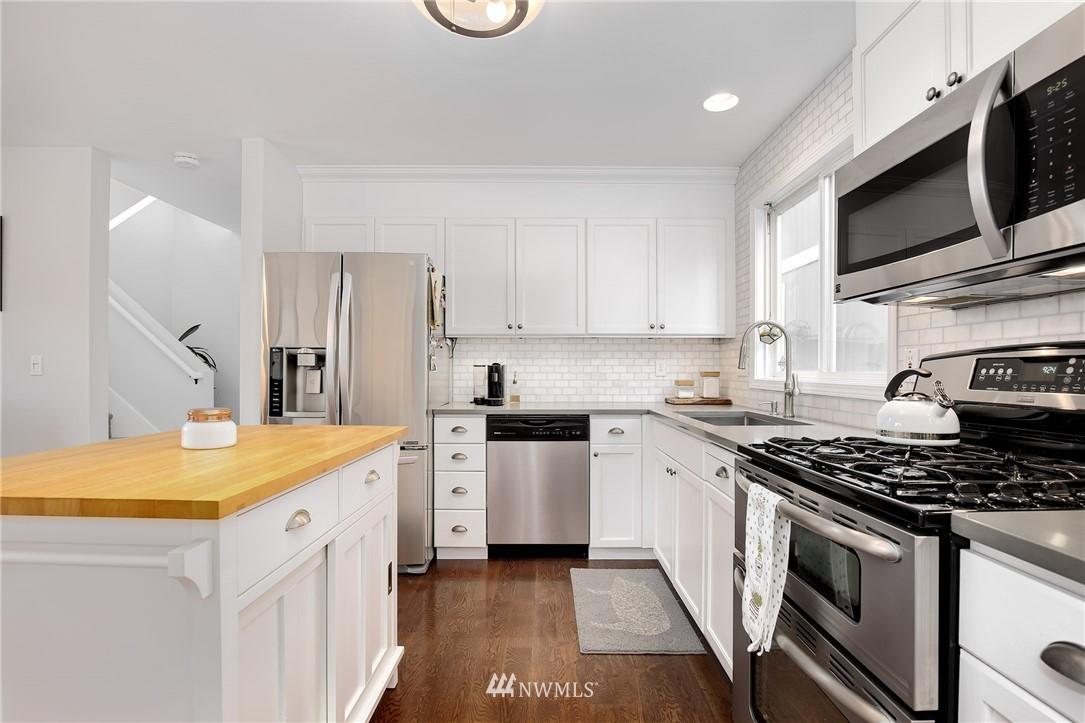 Sold Property | 4501 35th Avenue S Seattle, WA 98118 9
