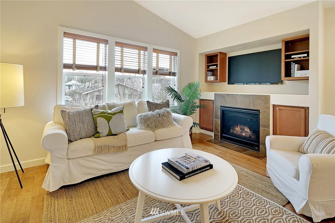 Sold Property   4136 21st Avenue SW Seattle, WA 98106 3
