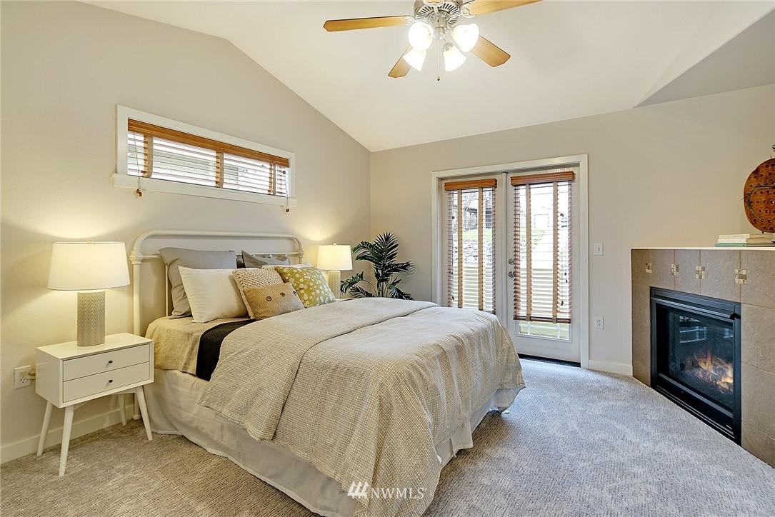 Sold Property   4136 21st Avenue SW Seattle, WA 98106 8