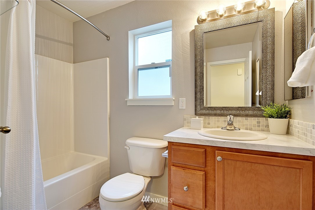 Sold Property   4136 21st Avenue SW Seattle, WA 98106 12
