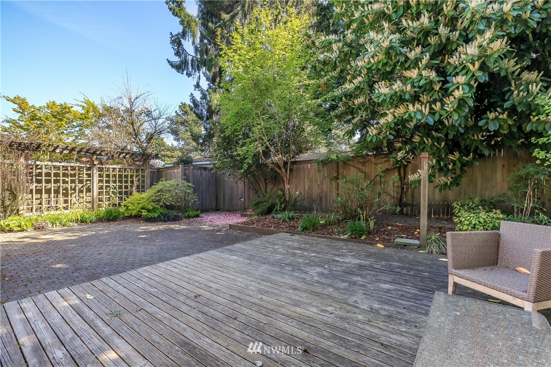 Sold Property | 637 NW 84th Street Seattle, WA 98117 22