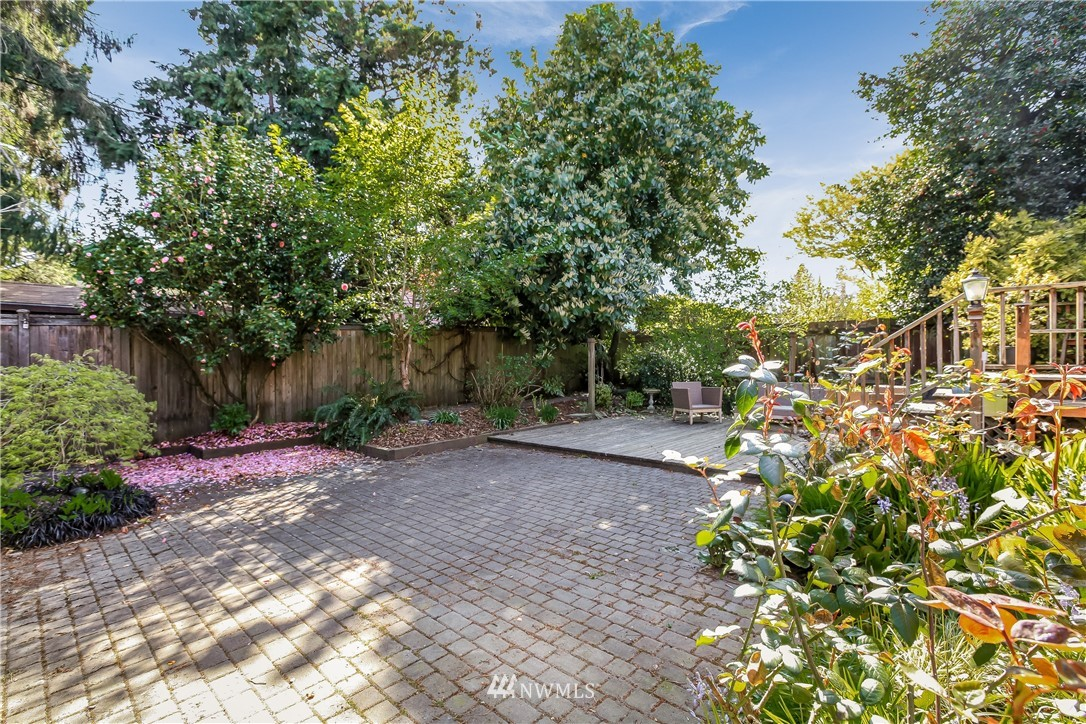 Sold Property | 637 NW 84th Street Seattle, WA 98117 23