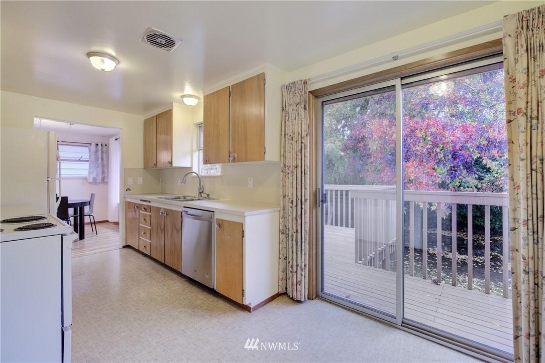 Sold Property   3816 NE 91st Street Seattle, WA 98115 5