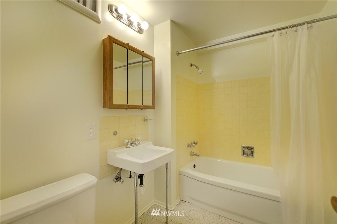 Sold Property   3816 NE 91st Street Seattle, WA 98115 16