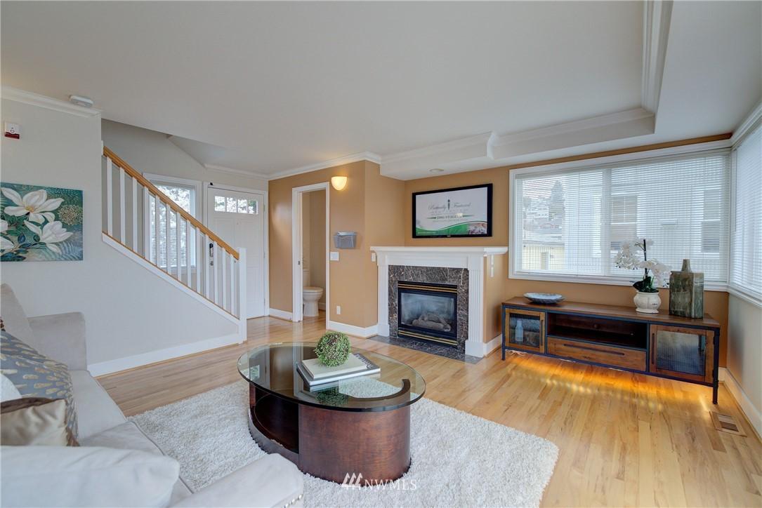 Sold Property   659 W Emerson Street Seattle, WA 98119 5
