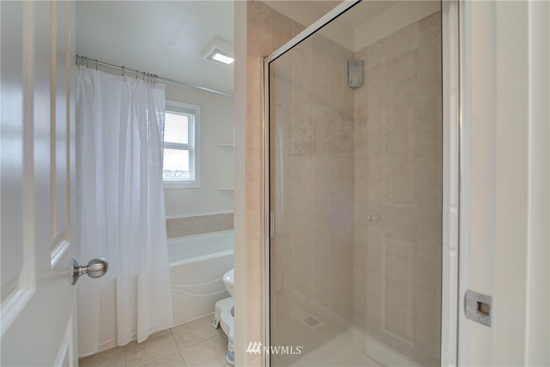 Sold Property   659 W Emerson Street Seattle, WA 98119 15