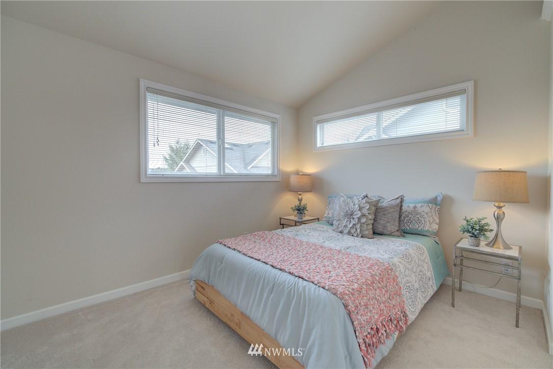 Sold Property   659 W Emerson Street Seattle, WA 98119 16