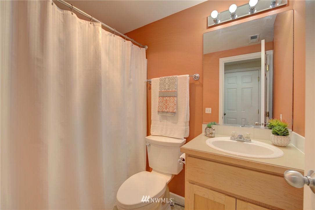 Sold Property   659 W Emerson Street Seattle, WA 98119 20