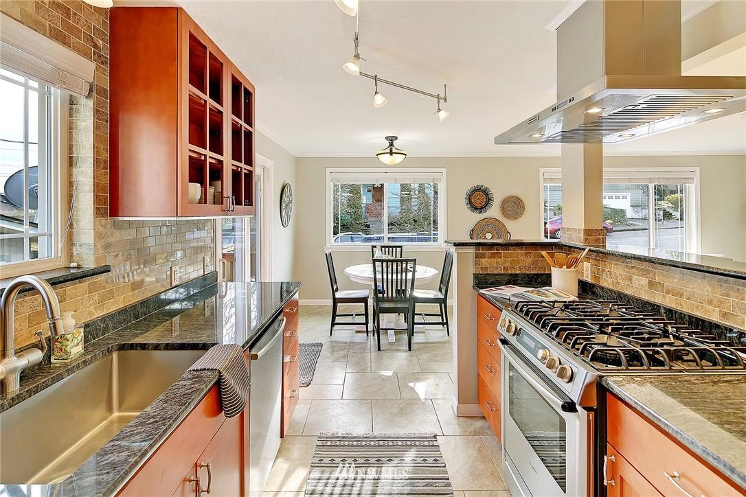 Sold Property | 906 N 93rd Street Seattle, WA 98103 6