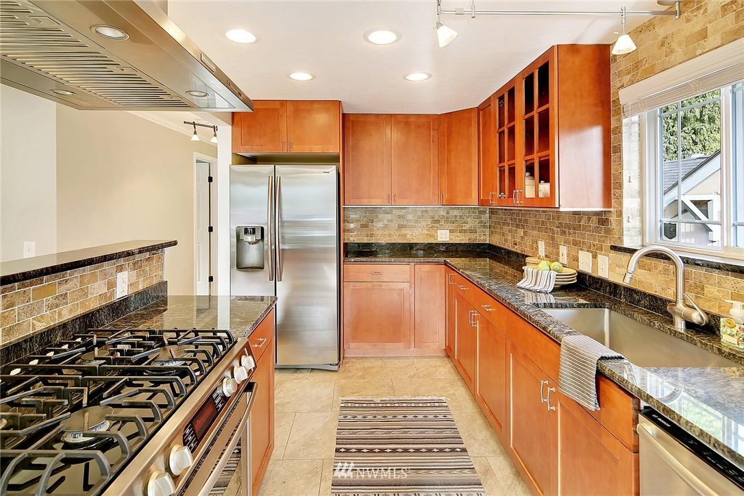 Sold Property | 906 N 93rd Street Seattle, WA 98103 7