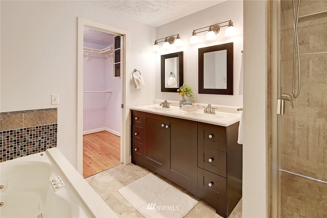 Sold Property | 906 N 93rd Street Seattle, WA 98103 11