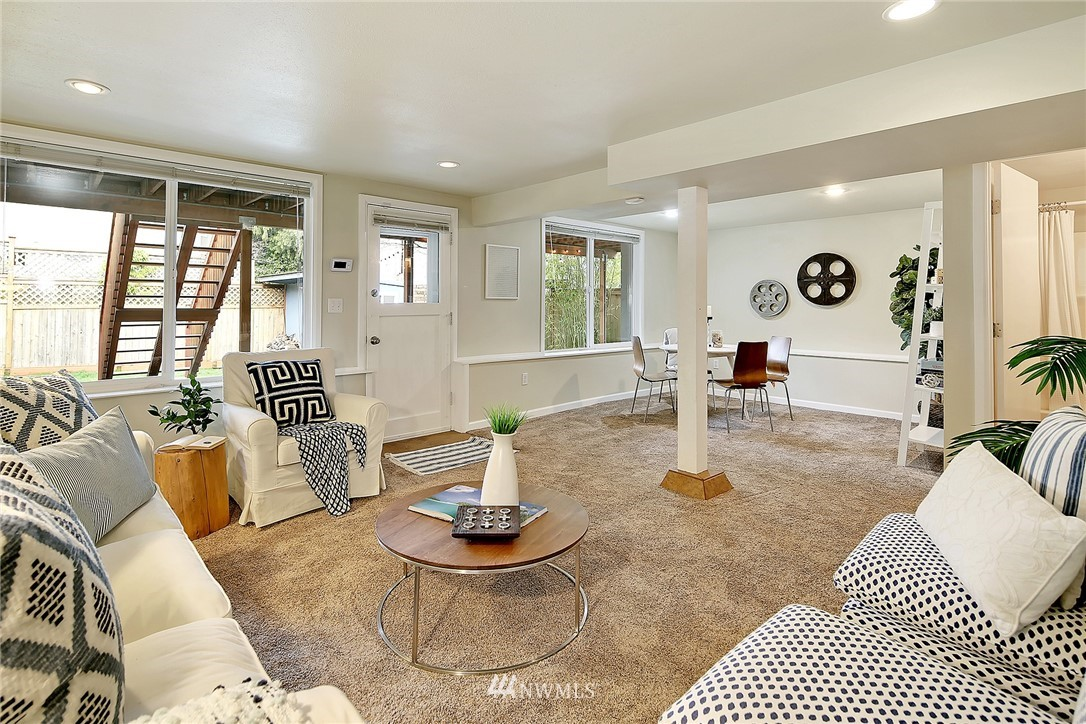 Sold Property | 906 N 93rd Street Seattle, WA 98103 12