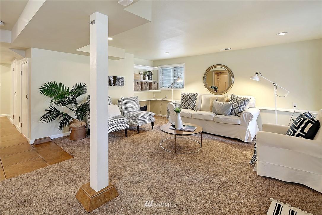 Sold Property | 906 N 93rd Street Seattle, WA 98103 13