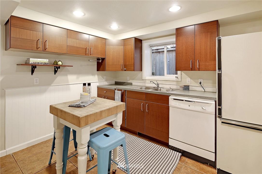 Sold Property | 906 N 93rd Street Seattle, WA 98103 15