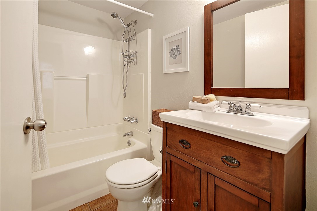 Sold Property | 906 N 93rd Street Seattle, WA 98103 18