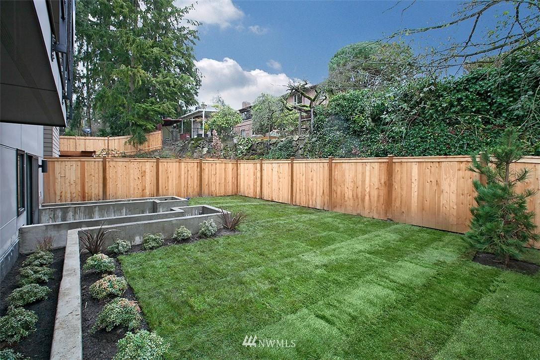 Sold Property   8232 Meridian Avenue N Seattle, WA 98103 21