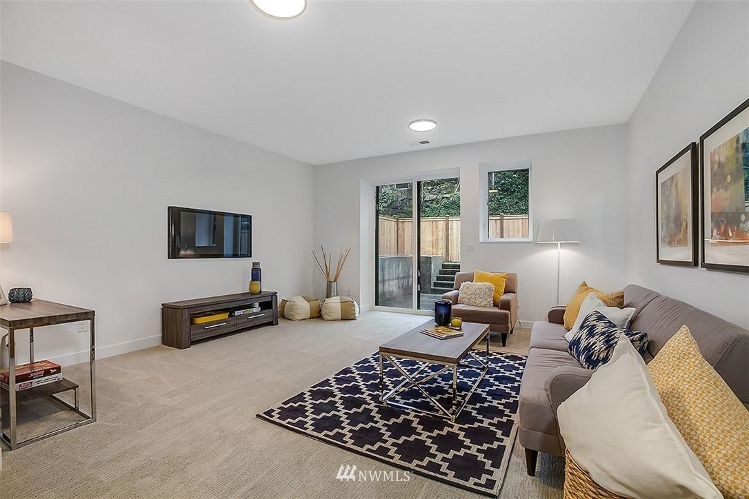 Sold Property   8232 Meridian Avenue N Seattle, WA 98103 18