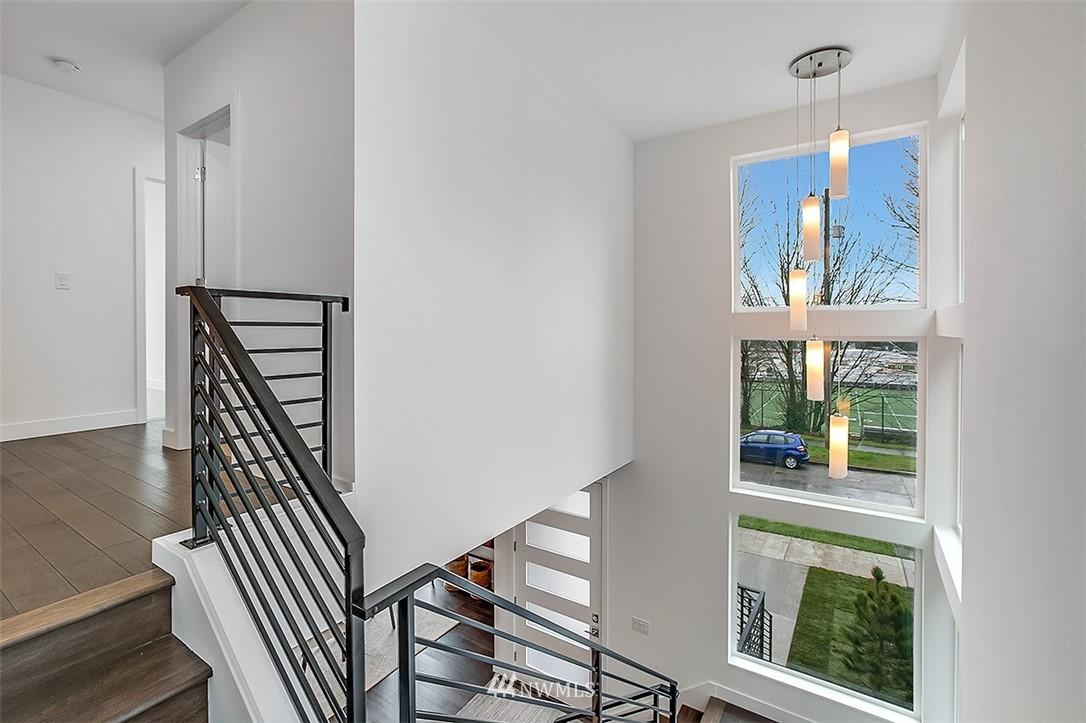 Sold Property   8232 Meridian Avenue N Seattle, WA 98103 12