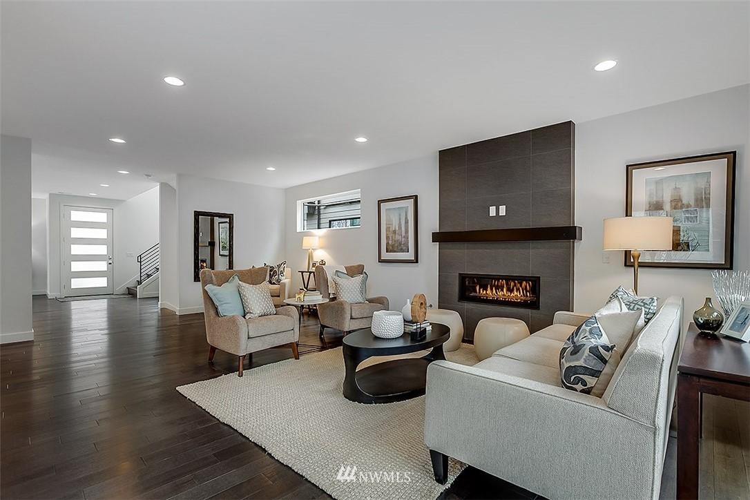 Sold Property   8232 Meridian Avenue N Seattle, WA 98103 11