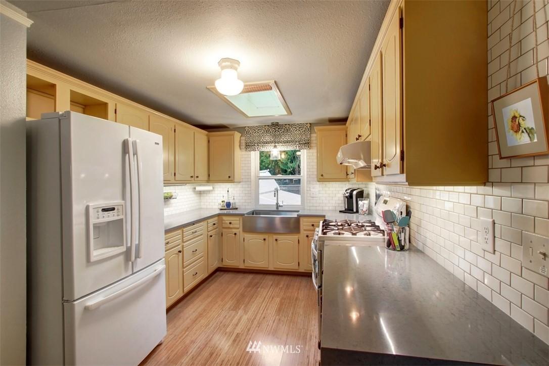 Sold Property | 11327 35th Avenue NE Seattle, WA 98125 5