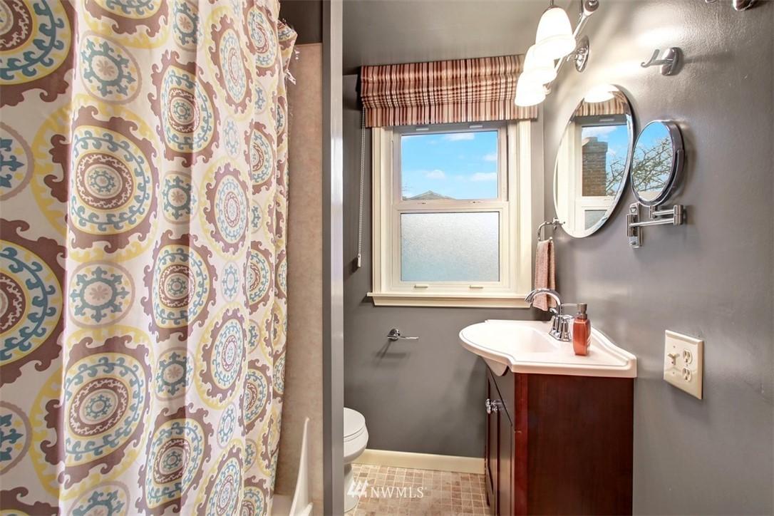 Sold Property | 11327 35th Avenue NE Seattle, WA 98125 16