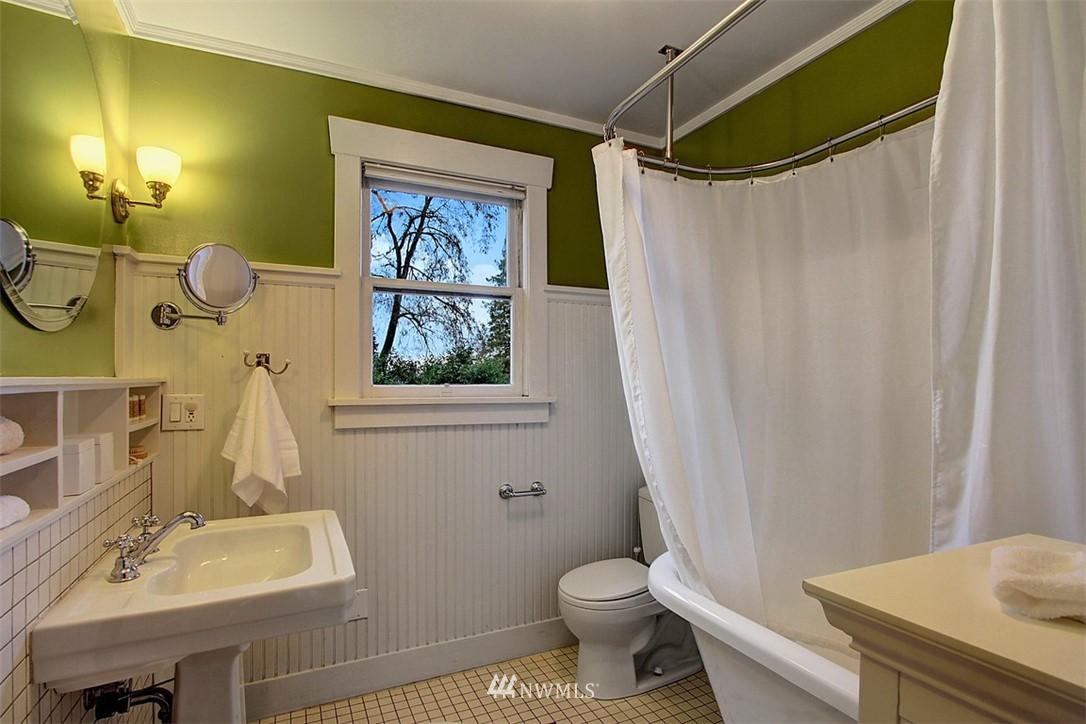 Sold Property | 6303 17th Avenue NE Seattle, WA 98115 13