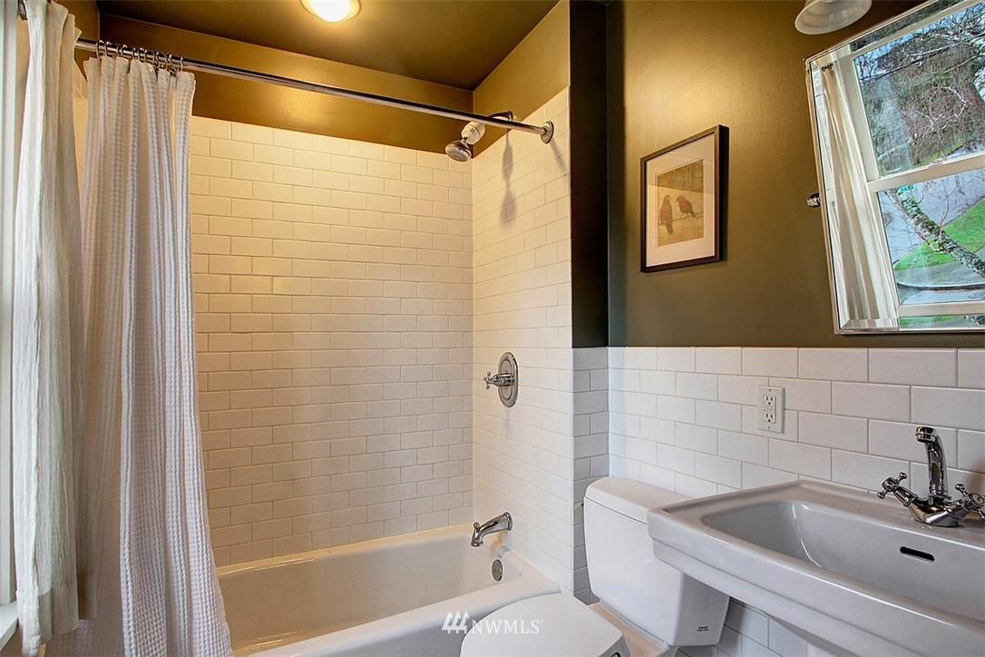 Sold Property | 6303 17th Avenue NE Seattle, WA 98115 16