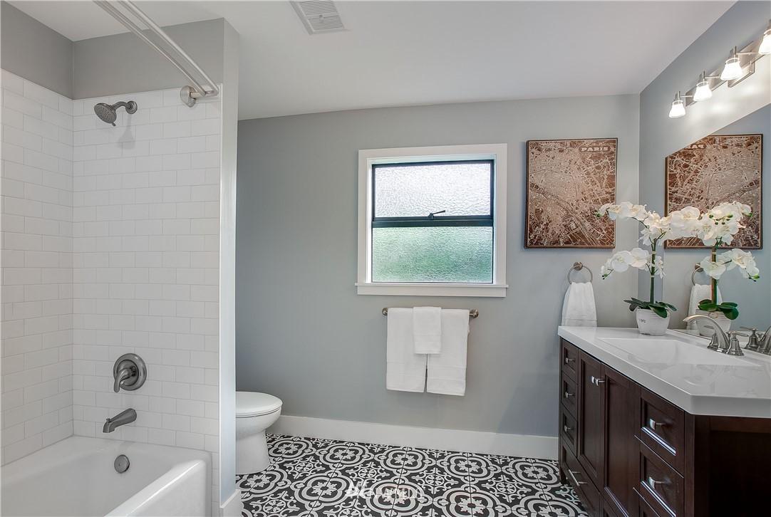 Sold Property | 1208 S Walker Street Seattle, WA 98144 8