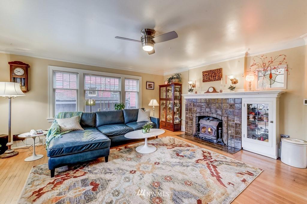 Sold Property | 7712 Dayton Avenue N Seattle, WA 98103 1