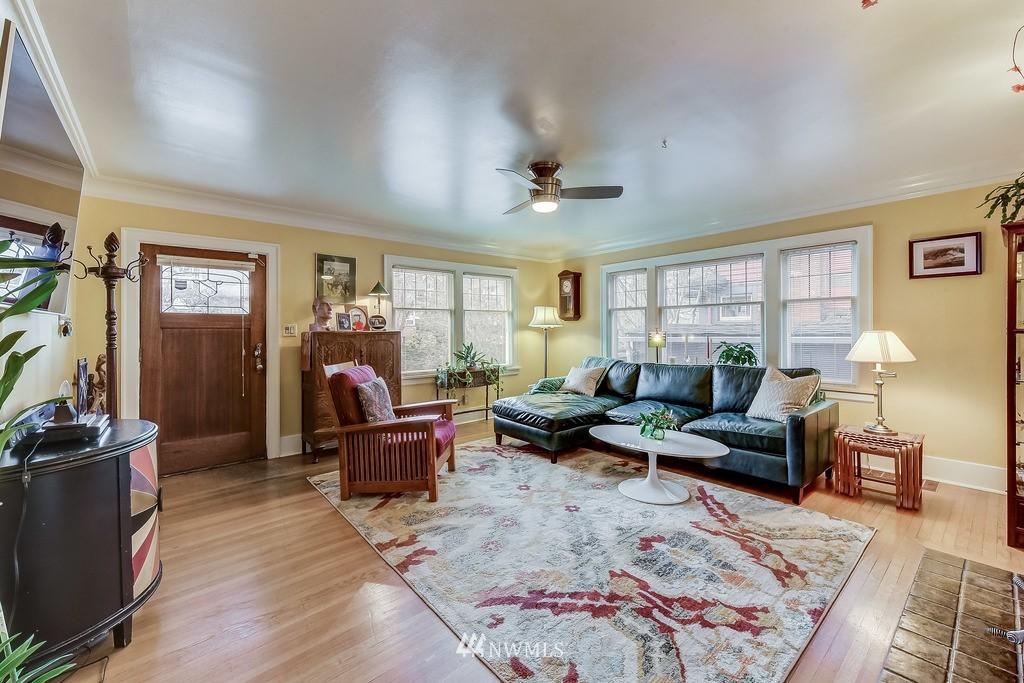 Sold Property | 7712 Dayton Avenue N Seattle, WA 98103 2
