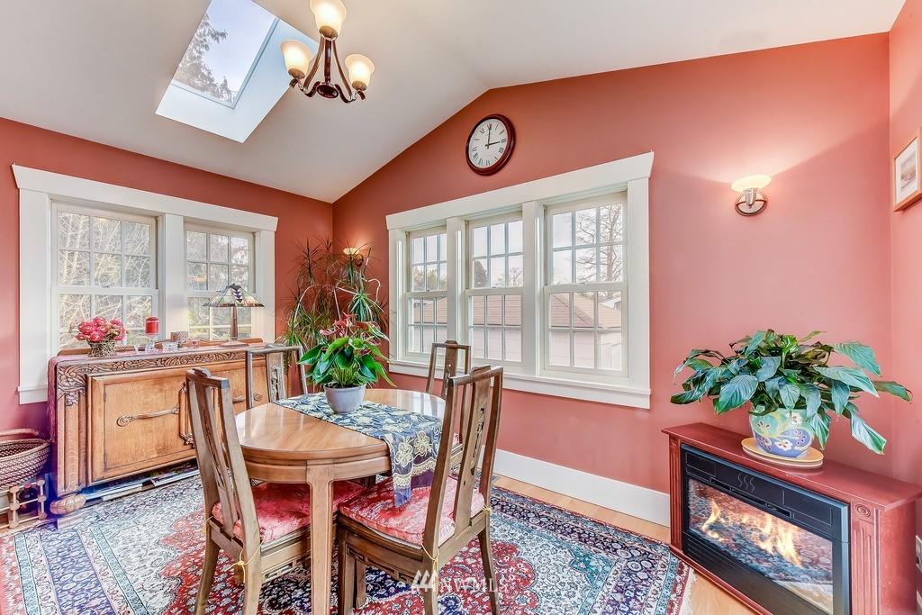 Sold Property | 7712 Dayton Avenue N Seattle, WA 98103 3