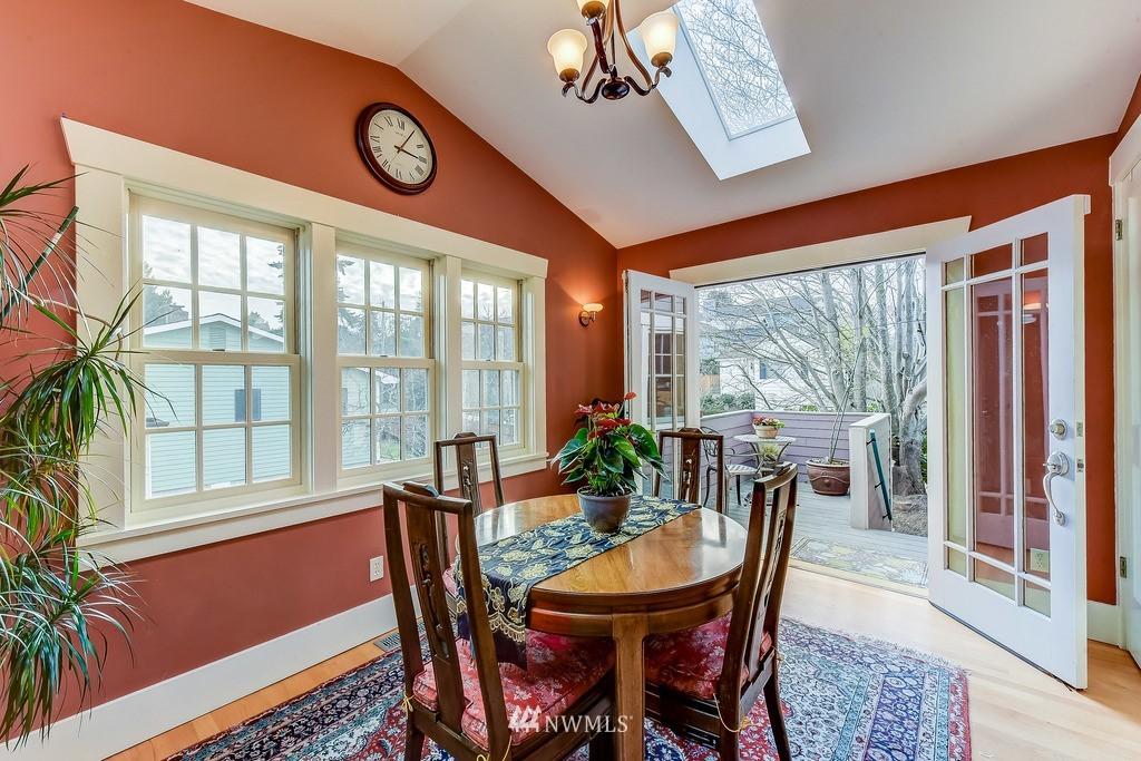 Sold Property | 7712 Dayton Avenue N Seattle, WA 98103 4