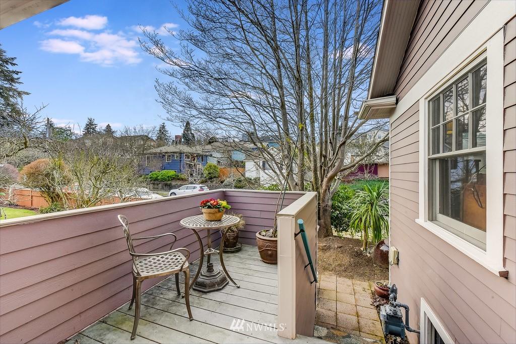 Sold Property | 7712 Dayton Avenue N Seattle, WA 98103 5