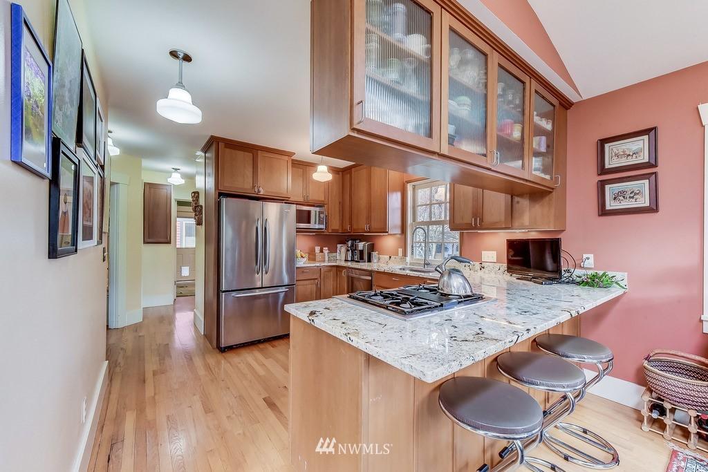 Sold Property | 7712 Dayton Avenue N Seattle, WA 98103 6