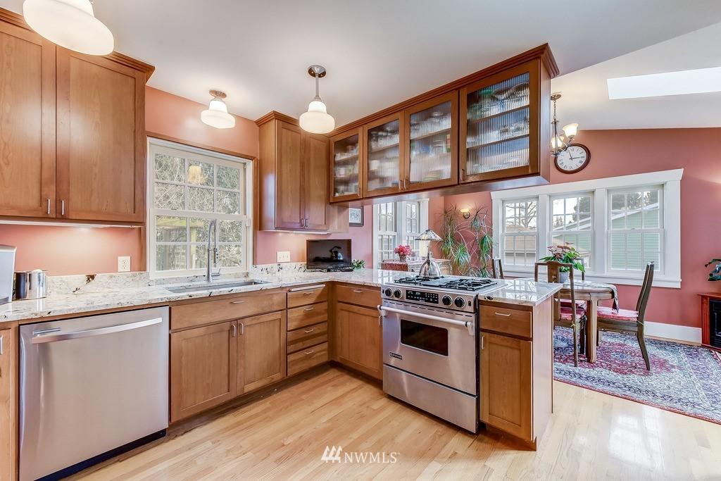Sold Property | 7712 Dayton Avenue N Seattle, WA 98103 7