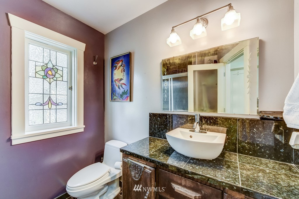 Sold Property | 7712 Dayton Avenue N Seattle, WA 98103 9