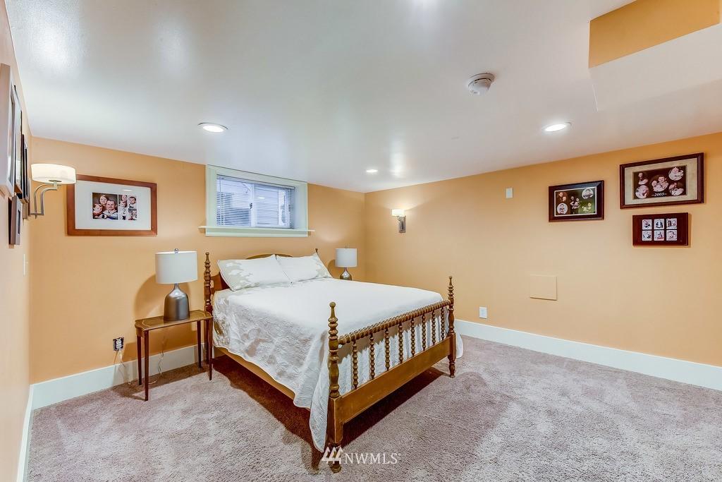 Sold Property | 7712 Dayton Avenue N Seattle, WA 98103 10