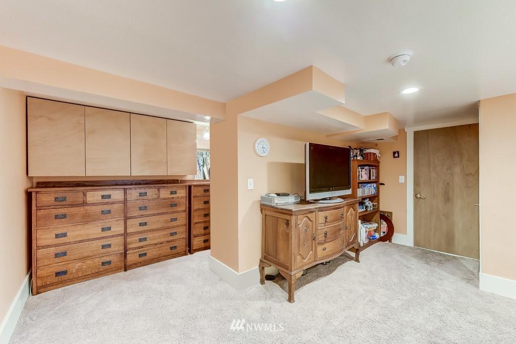 Sold Property | 7712 Dayton Avenue N Seattle, WA 98103 11