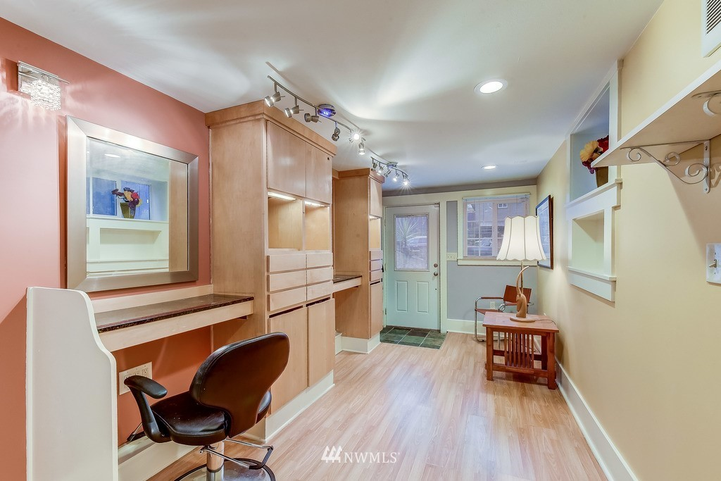 Sold Property | 7712 Dayton Avenue N Seattle, WA 98103 13