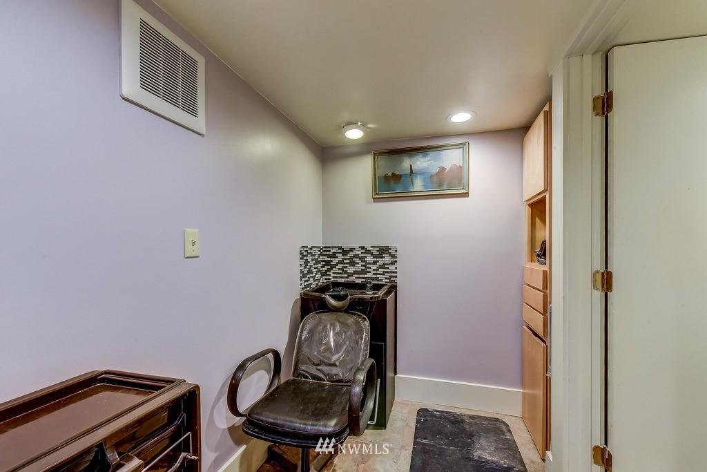 Sold Property | 7712 Dayton Avenue N Seattle, WA 98103 16