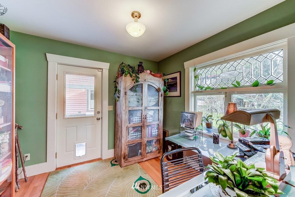 Sold Property | 7712 Dayton Avenue N Seattle, WA 98103 17